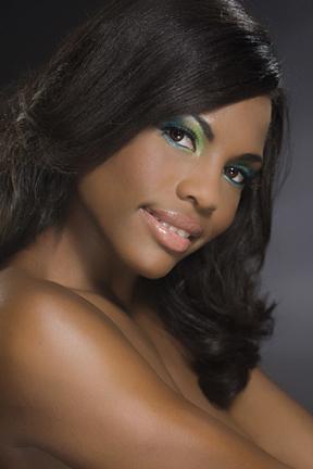 http://www.glamour101.com/chanel_RW_01a.jpg